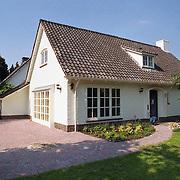 NLD/Blaricum/19941207 - Nieuwe woning van Rolf Wouters Rotondeweg Blaricum