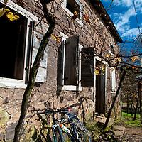 Cantina e Casa Strapazzon, Viagem de cicloturismo nos Caminhos de Pedra, regiao de Bento Goncalves, Rio Grande do Sul, Brasil, foto de Ze Paiva, Vista Imagens.