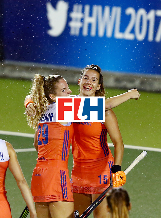 New Zealand, Auckland - 18/11/17  <br /> Sentinel Homes Women&rsquo;s Hockey World League Final<br /> Harbour Hockey Stadium<br /> Copyrigth: Worldsportpics, Rodrigo Jaramillo<br /> Match ID: 10296 - USA vs NED<br /> Photo: (29) KREKELAAR Maartje celebrating with (15) MATLA Frederique