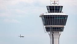 THEMENBILD - ein Flugzeug im Anflug mit dem Tower, aufgenommen am 13. April 2017, Flughafen München, Deutschland // a aircraft with the Tower at the Munich Airport, Germany on 2017/04/13. EXPA Pictures © 2017, PhotoCredit: EXPA/ JFK