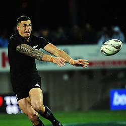 Sonny Bill Williams passes during the Rugby Championship match between the NZ All Blacks and Argentina Pumas at Yarrow Stadium in New Plymouth, New Zealand on Saturday, 9 September 2017. Photo: Dave Lintott / lintottphoto.co.nz