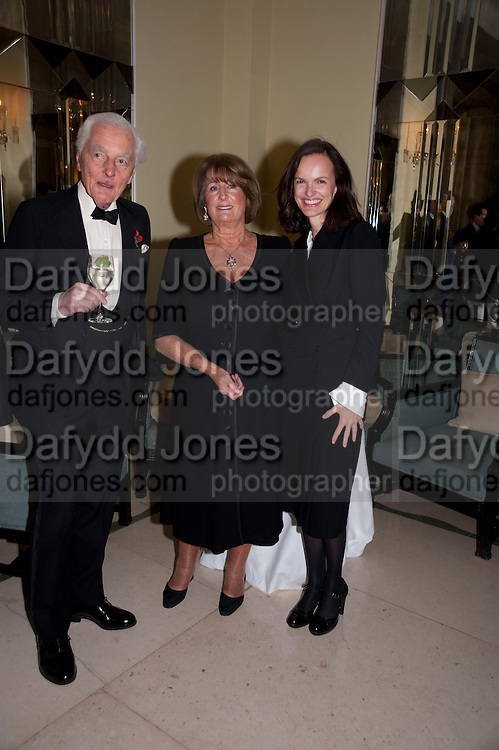 LORD AIRLIE; LADY ANNABEL GOLDSMITH; BETTINA VON HASE, Book launch of Lady Annabel Goldsmith's third book, No Invitation Required. Claridges's. London. 11 November 2009