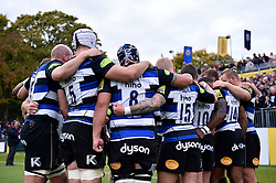 The Bath team huddle together at half-time - Mandatory byline: Patrick Khachfe/JMP - 07966 386802 - 17/10/2015 - RUGBY UNION - The Recreation Ground - Bath, England - Bath Rugby v Exeter Chiefs - Aviva Premiership.