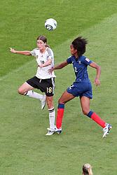 05.07.2011, Borussia-Park, Moenchengladbach, GER, FIFA Women Worldcup 2011, Gruppe A,  Frankreich (FRA) vs Deutschland (GER), im Bild: Kopfball zum 0:1 durch Merstin Garefrekes (GER #18, Frankfurt) (L) gegen Wendie Rennrad (Frankreich) ..// during the FIFA Women´s Worldcup 2011, Pool A, France vs Germany on 2011/06/26, Borussia-Park, Moenchengladbach, Germany. EXPA Pictures © 2011, PhotoCredit: EXPA/ nph/  Mueller       ****** out of GER / CRO  / BEL ******
