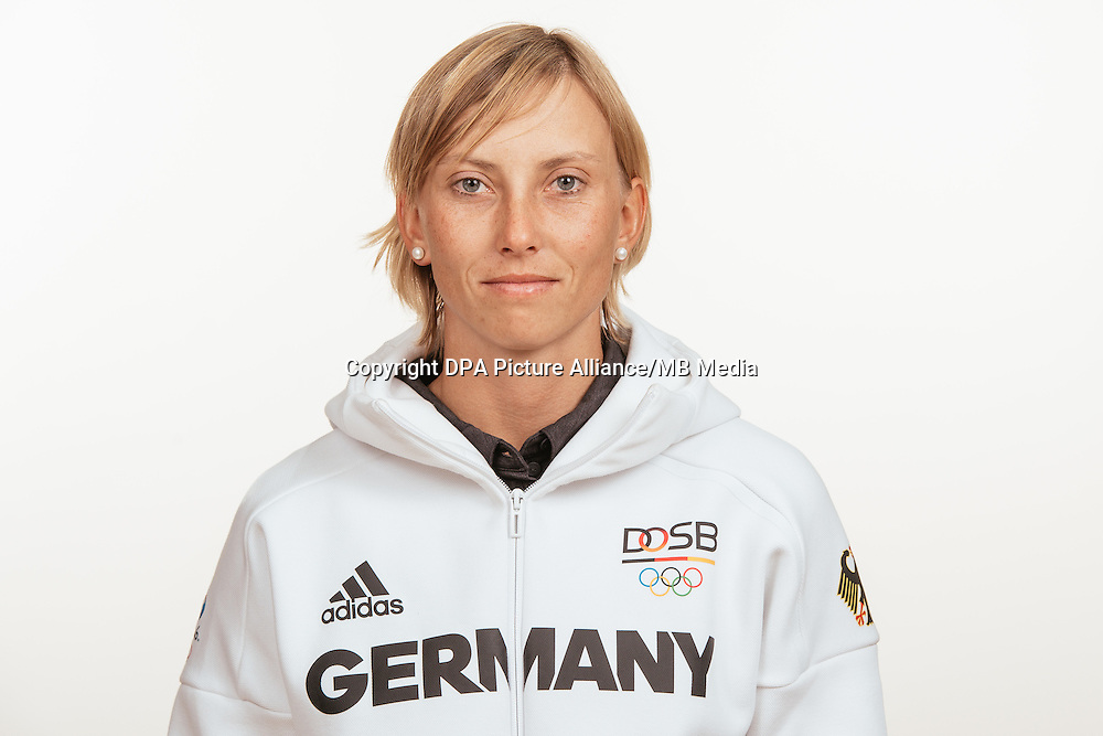 Melanie Pfeifer poses at a photocall during the preparations for the Olympic Games in Rio at the Emmich Cambrai Barracks in Hanover, Germany, taken on 19/07/16 | usage worldwide