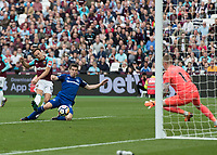 Football - 2017 / 2018 Premier League - West Ham United vs. Everton<br /> <br /> Mark Noble (West Ham United) curls his effort and forces a fine save from Jordan Pickford (Everton FC ) at the London Stadium<br /> <br /> COLORSPORT/DANIEL BEARHAM