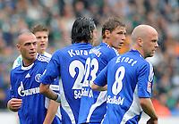 FUSSBALL   1. BUNDESLIGA   SAISON 2008/2009   2. SPIELTAG SV Werder Bremen - FC Schalke 04                         23.08.2008 Schalke Mauer: Christian PANDER, Kevin KURANYI, Benedikt HOEWEDES (H?WEDES) und Fabian ERNST (v.l.)
