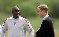 Photo: Paul Thomas.<br /> England Training Session. 01/06/2006.<br /> <br /> Prince William (R) meets Sol Campbell.