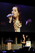 Prinses Maxima geeft de Amsterdamse Beurs van Berlage het startschot voor een nieuw landelijk project van WOMEN Inc. Het project wil het belang van economische zelfstandigheid van vrouwen onderstrepen. /// Princess Maxima, the Amsterdam Beurs van Berlage is launching a new national project of WOMEN Inc.. The project will study the importance of economic independence of women underline.<br /> <br /> Op de foto: On the Photo:<br /> <br />  Optreden van Iris Kroes