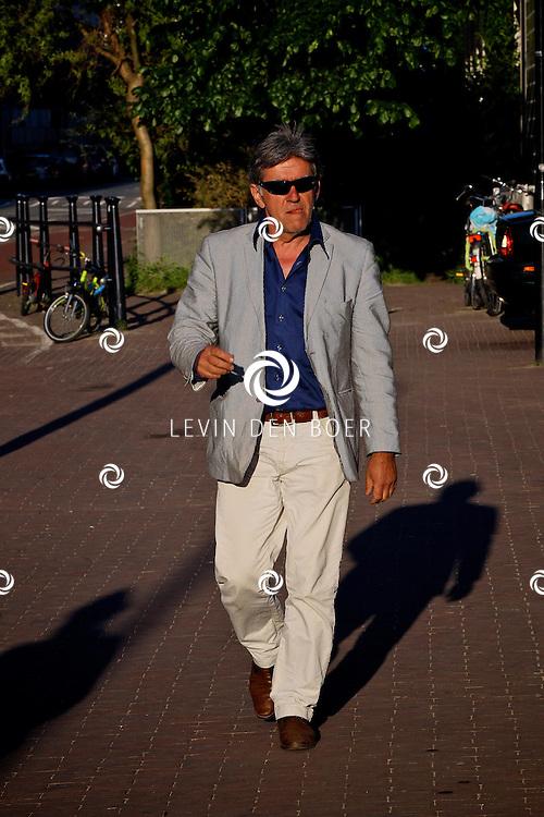 AMSTERDAM - In uitgaansgelegenheid Panama is de boek presenatie inclusief film van de Genootschap van Mendacium in premiere gegaan.  Met op de foto acteur Bartho Braat. FOTO LEVIN DEN BOER - PERSFOTO.NU