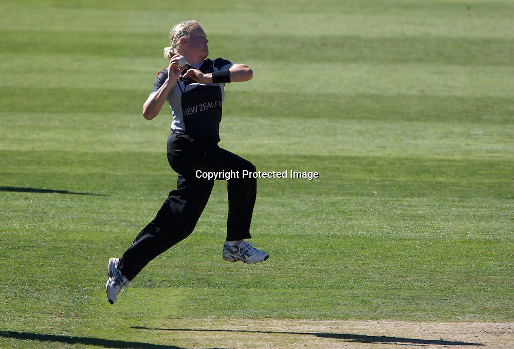 Sydney-March 17: Kate Pulford bowling during the match between New Zealand and India in the Super 6 stage of the ICC Women's World Cup Cricket tournament at North Sydney  Oval, Sydney, Australia on March 17, 2009. Photo by Tim Clayton.