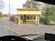 Ändhållplatsen på Blockhusudden. Hit ut åker många för en pratstund med fåglarna - en del har lite mat med sig också. En bra dag hittar man en människa att tala med också. Det är mest gamla som tar bussen till Blockhusudden.