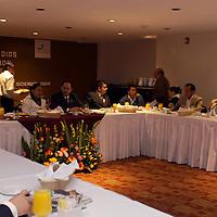 TOLUCA, México.- Los diputados del partido Nueva Alianza en la LVII Legislatura del Estado de México, encabezados por su coordinadora,  Lucila Garfías Gutiérrez, refrendaron su interés por trabajar en la mejora integral del sistema educativo. Agencia MVT / Crisanta Espinosa. (DIGITAL)