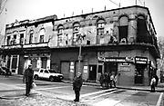 Javier Calvelo/ URUGUAY/ MONTEVIDEO/ Ciudad Vieja - Peatonal Sarandi / Recorrido para Montevideo Ciudad Ocre. Mercado Agr&iacute;cola, ubicado en Jos&eacute; L. Terra, entre Am&eacute;zaga y Mart&iacute;n Garc&iacute;a. Con una inversi&oacute;n de US$ 11 millones en 2013 se restaur&oacute; este espacio que tiene un siglo de existencia.<br /> En la foto:  Mercado Agr&iacute;cola. Foto: Javier Calvelo <br /> 20140701 dia martes
