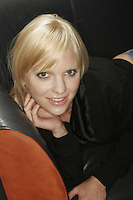 Actress Anna Farris of Scary Movie fame photographed at Splashlight Studios in NYC on June 8, 2006. .©Rahav Segev/Photopass.com All rights reserved. ... Anna Faris Ana Farris