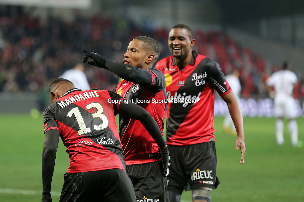 Moustapha DIALLO /  Christophe MANDANNE /  Claudio BEAUVUE - 24.01.2015 - Guingamp / Lorient - 22eme journee de Ligue1<br />