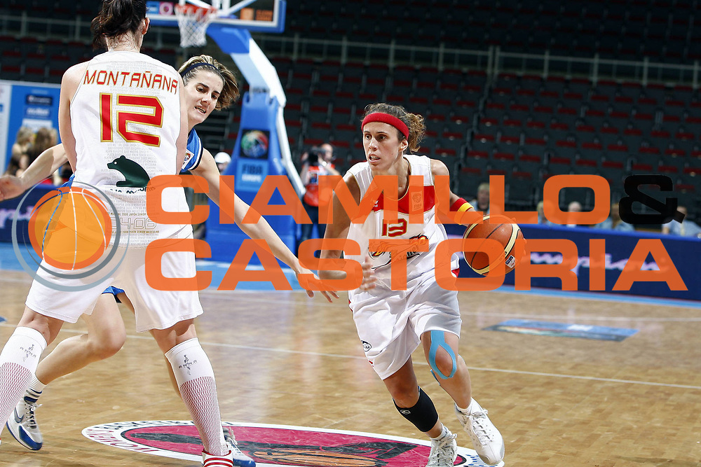 DESCRIZIONE : Riga Latvia Lettonia Eurobasket Women 2009 Quarter Final Spagna Italia Spain Italy<br /> GIOCATORE : Amaya Valdemoro<br /> SQUADRA : Spagna Spain<br /> EVENTO : Eurobasket Women 2009 Campionati Europei Donne 2009 <br /> GARA : Spagna Italia Spain Italy<br /> DATA : 17/06/2009 <br /> CATEGORIA : palleggio<br /> SPORT : Pallacanestro <br /> AUTORE : Agenzia Ciamillo-Castoria/E.Castoria