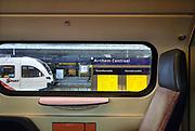 Nederland, Arnhem, 19-1-2017Zicht op het perron van het centraal station vanuit een treincoupe.Foto: Flip Franssen