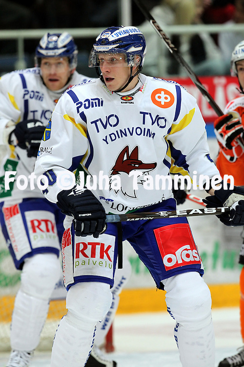 21.10.2010, H?meenlinna..J??kiekon SM-liiga 2010-11. .HPK - Lukko..Jarkko Kauvosaari - Lukko.©Juha Tamminen.