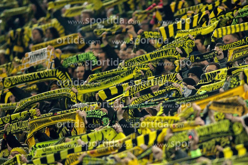 13.03.2016, Signal Iduna Park, Dortmund, GER, 1. FBL, Borussia Dortmund vs 1. FSV Mainz 05, 26. Runde, im Bild Fans von Borussia Dortmund auf der Suedtribuene singen &quot;You'll never walk alone&quot; zum Gedenken an den vestorbenen Fan // during the German Bundesliga 26th round match between Borussia Dortmund and 1. FSV Mainz 05 at the Signal Iduna Park in Dortmund, Germany on 2016/03/13. EXPA Pictures &copy; 2016, PhotoCredit: EXPA/ Eibner-Pressefoto/ Schueler<br /> <br /> *****ATTENTION - OUT of GER*****