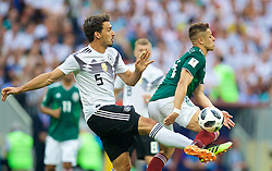 MOSCOW, RUSSIA - Sunday, June 17, 2018: Germany's Mats Hummels and Mexico's Javier Hernandez during the FIFA World Cup Russia 2018 Group F match between Germany and Mexico at the Luzhniki Stadium. (Pic by David Rawcliffe/Propaganda)