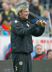 04.08.2010, Signal Iduna Park, Dortmund, GER, Freundschaftsspiel, Borrussia Dortmund vs Manchester City, im Bild: Dortmunds Trainer Jürgen / Juergen Klopp (GER) gibt Anweisungen,  EXPA Pictures © 2010, PhotoCredit: EXPA/ nph/  Scholz+++++ ATTENTION - OUT OF GER +++++ / SPORTIDA PHOTO AGENCY