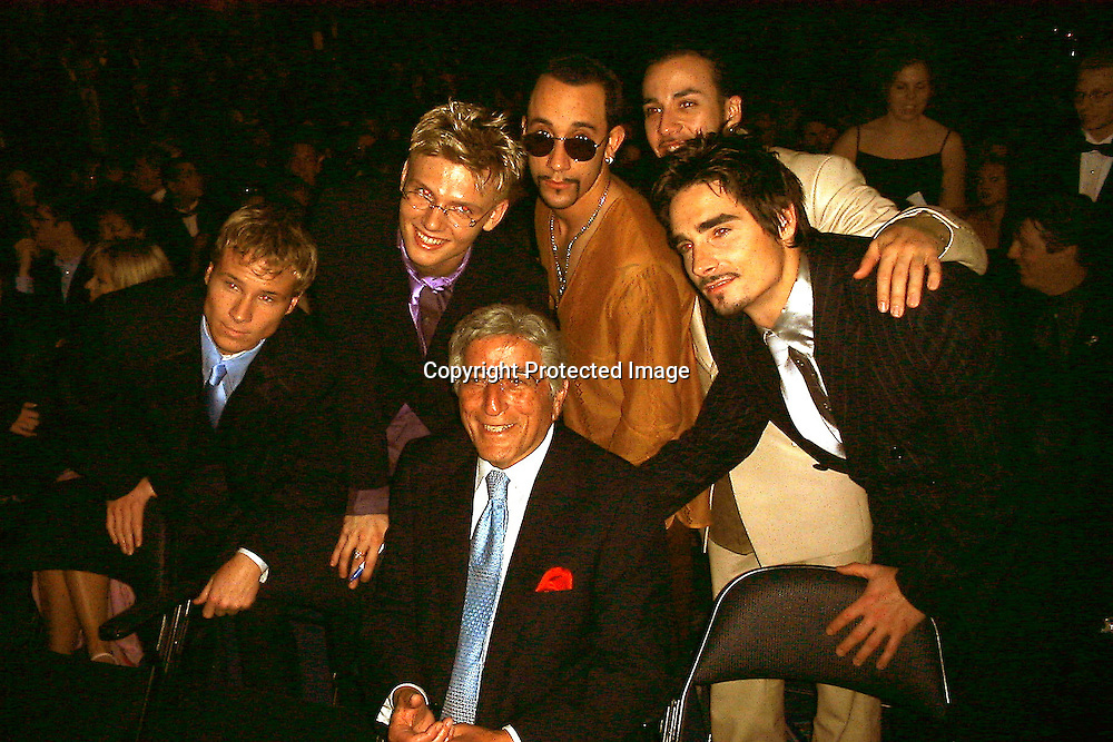 Tony Bennett Shaking Hands with Backstreet Boys<br />