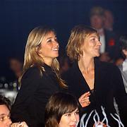 Beauty 4 event, Wendy van Dijk en vriendin