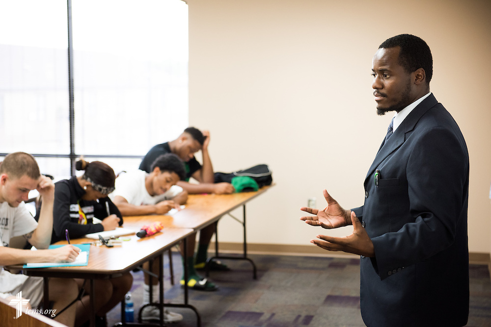 Dr. Tawonga Moyo teaches a class at Concordia College Alabama on Tuesday, August 18, 2014, in Selma, Ala.  LCMS Communications/Erik M. Lunsford