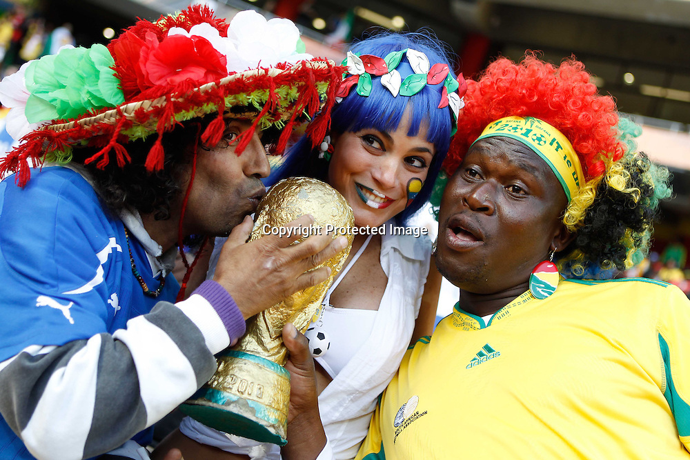 &copy;Jonathan Moscrop - LaPresse<br /> 20 06 2010 Nelspruit ( Sud Africa )<br /> Sport Calcio<br /> Italia vs Nuova Zelanda - Mondiali di calcio Sud Africa 2010 Gruppo F - Mbombela Stadium<br /> Nella foto: tifosi allo stadio<br /> <br /> &copy;Jonathan Moscrop - LaPresse<br /> 20 06 2010 Nelspruit ( South Africa )<br /> Sport Soccer<br /> Italy versus New Zealand - FIFA 2010 World Cup South Africa Group F  - Mbombela Stadium<br /> In the Photo: fans pictured at the stadium