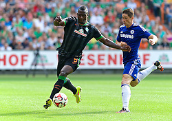 03.08.2014, Weserstadion, Bremen, GER, Testspiel, SV Werder Bremen vs FC Chelsea, im Bild Assani Lukimya (SV Werder Bremen #5) verteidigt gegen Fernando Torres (Chelsea FC #9) // during a friedly match between SV Werder Bremen and Chelsea FC at the Weserstadion in Bremen, Germany on 2014/08/03. EXPA Pictures © 2014, PhotoCredit: EXPA/ Andreas Gumz<br /> <br /> *****ATTENTION - OUT of GER*****