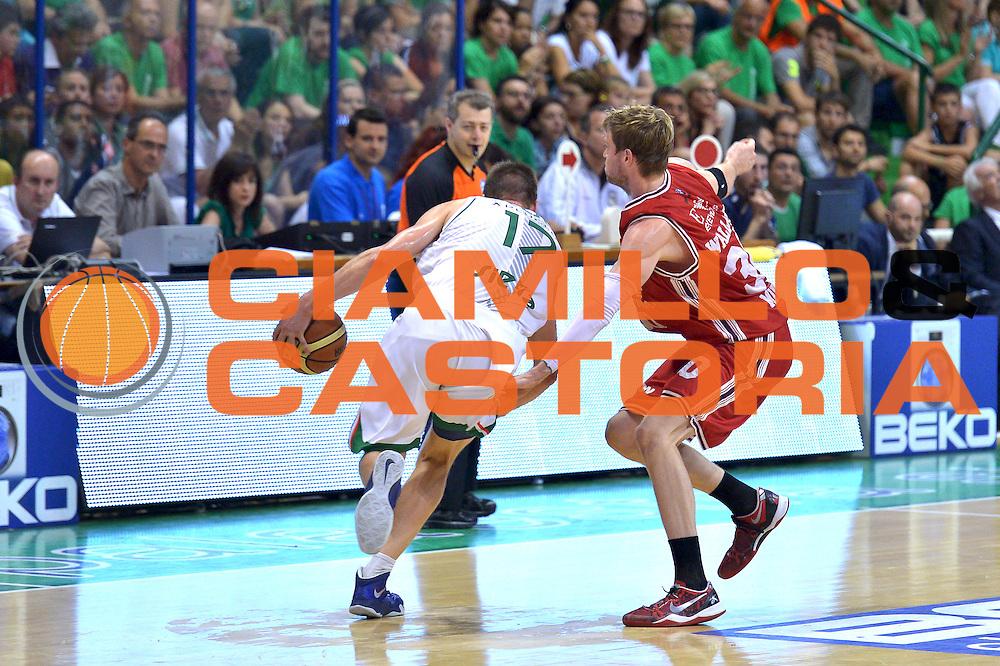 DESCRIZIONE : Milano Lega A 2013-14 Montepaschi Siena  vs EA7 Emporio Armani Milano playoff Finale gara 6<br /> GIOCATORE : Nelson Spencer<br /> CATEGORIA : Palleggio<br /> SQUADRA : Montepaschi Siena<br /> EVENTO : Finale gara 6 playoff<br /> GARA : Montepaschi Siena  vs EA7 Emporio Armani Milano playoff Finale gara 6<br /> DATA : 25/06/2014<br /> SPORT : Pallacanestro <br /> AUTORE : Agenzia Ciamillo-Castoria/I.Mancini<br /> Galleria : Lega Basket A 2013-2014  <br /> Fotonotizia : Milano<br /> Lega A 2013-14 Montepaschi Siena  vs EA7 Emporio Armani Milano playoff Finale gara 6 <br /> Predefinita :