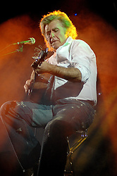 John Parr back in Worksop The Circle Theater.6th December 2006.Copyright Paul David Drabble
