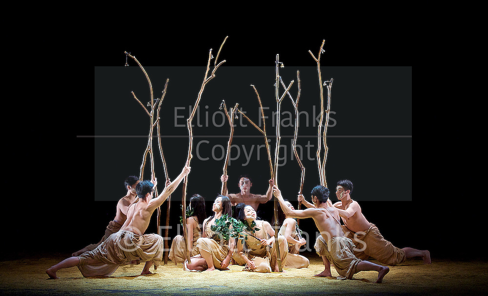 Cloud Gate Dance Theatre of Taiwan <br /> Songs of the Wanderers <br /> at Sadler's Wells, London, Great Britain <br /> press photocall <br /> 4th May 2016 <br /> <br /> CHEN Lien-wei <br /> CHEN Tsung-chiao<br /> CHENG Hsi-ling<br /> CHOU Chen-yeh<br /> HOU Tang-li<br /> HUANG Mei-ya<br /> KUO Tzu-wei<br /> WONG Lap-cheong<br /> YANG l-chun<br /> YEH Yi-ping<br /> <br /> choreography by <br /> LIN Hwai-min<br /> <br /> <br /> Photograph by Elliott Franks <br /> Image licensed to Elliott Franks Photography Services
