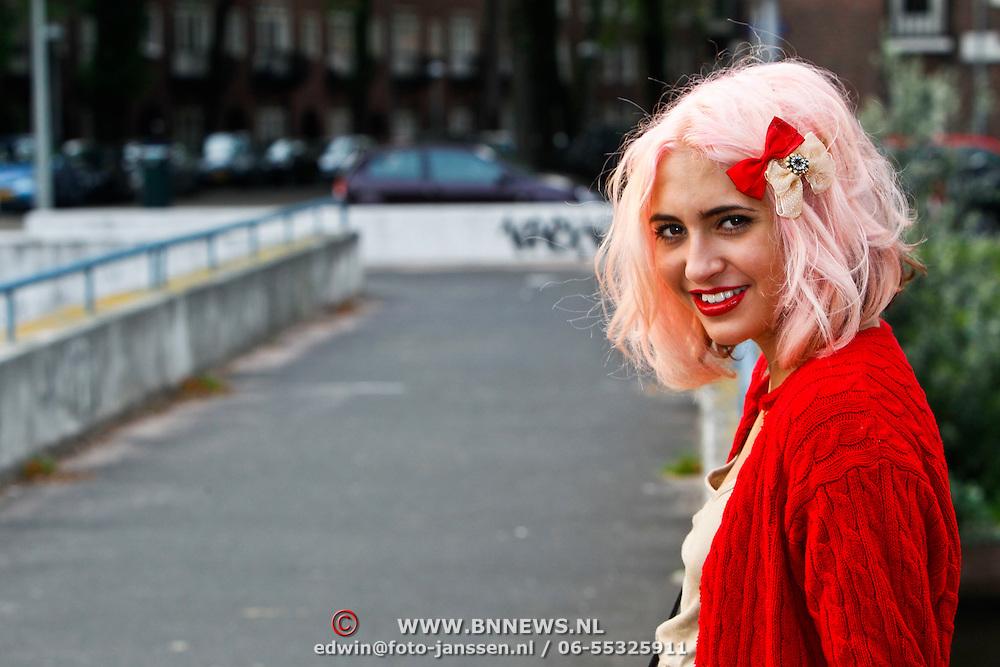 NLD/Amsterdam/20100814 - Christina Curry