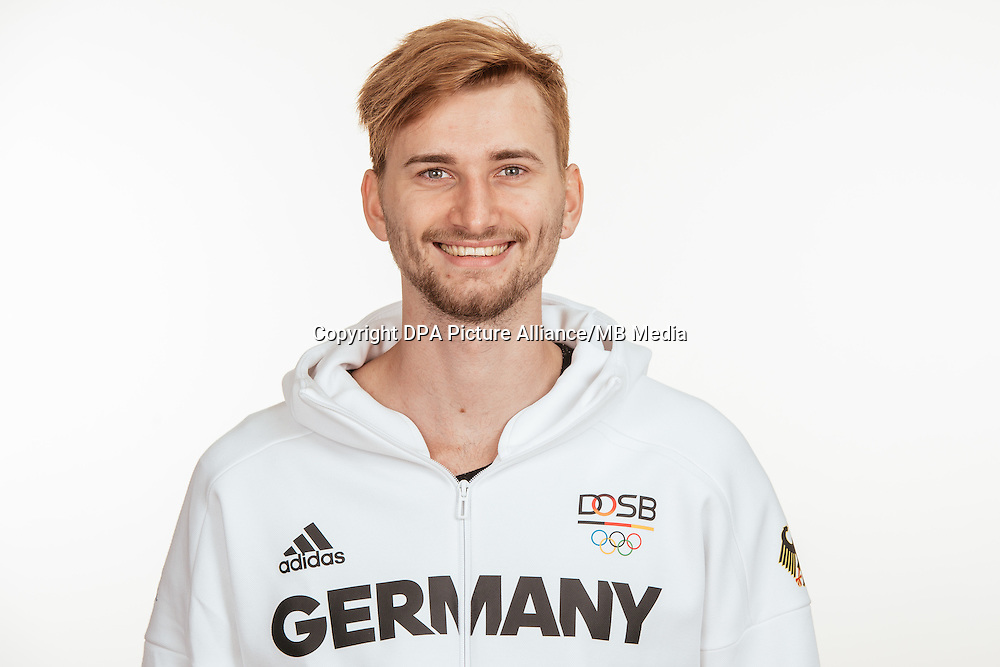 Mateusz Przybylko poses at a photocall during the preparations for the Olympic Games in Rio at the Emmich Cambrai Barracks in Hanover, Germany, taken on 19/07/16 | usage worldwide