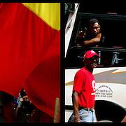 DAILY VENEZUELA II / VENEZUELA COTIDIANA II<br /> Photography by Aaron Sosa <br /> <br /> Left: Caracas - Venezuela 2009<br /> <br /> Right: March supporters of Hugo Chavez, Caracas - Venezuela 2007 / Marcha de simpatizantes de Hugo Chavez, Caracas - Venezuela 2007<br /> <br /> (Copyright © Aaron Sosa)