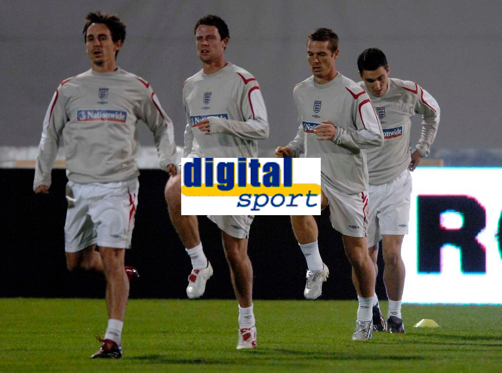 Photo: Richard Lane<br />England Training Session. 10/10/2006. <br />England's Scott Parker (3rd rt) warms up.