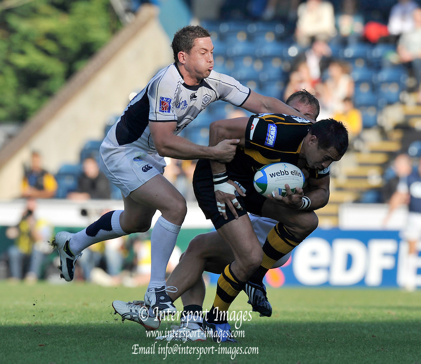 Wycombe, GREAT BRITAIN,  Riki FLUTEY, running with the ball,  during the Heineken Cup [Pool 1]  Rugby Match,  London Wasps vs Castres Olympique, played at Adams Park Stadium on Sun, 12.10.2008 [Photo, Peter Spurrier/Intersport-images]