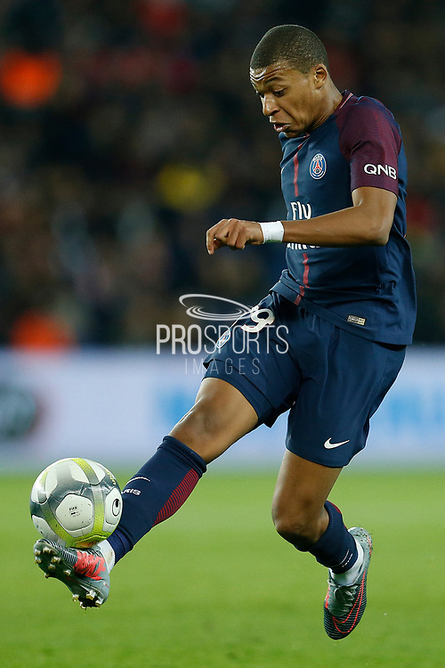 Paris Saint Germain's French forward Kylian Mbappe during the French Championship Ligue 1 football match between Paris Saint-Germain and OGC Nice on October 27, 2017 at the Parc des Princes stadium in Paris, France - Photo Benjamin CREMEL / ProSportsImages / DPPI