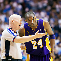 BASKET BALL - PLAYOFFS NBA 2008/2009 - LOS ANGELES LAKERS V ORLANDO MAGIC - GAME 3 -  ORLANDO (USA) - 09/06/2009 - PHOTO : CHRIS ELISE<br /> KOBE BRYANT (LAKERS), Joey Crawford (referee)