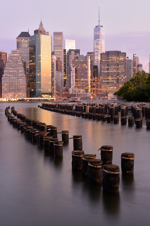 USA, New York, Brooklyn, view from Brooklyn to Manhattan in the morning