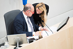 "24.04.2019, Hofburg, Wien, AUT, Parlament, Nationalratssitzung, Sitzung des Nationalrates mit Aktuellen Stunde der Neos mit dem Titel ""Diese Regierung hat keine Ahnung vom Internet"", im Bild Nationalratspräsident Wolfgang Sobotka (ÖVP) und Familien- und Jugendministerin Juliane Bogner-Strauß (ÖVP) // President of the National Council Wolfgang Sobotka (OeVP) and Austrianminister for family affairs Juliane Bogner-Strauss during meeting of the National Council of austria due to the topic ""Internet"" at Hofburg palace in Vienna, Austria on 2019/04/24, EXPA Pictures © 2019, PhotoCredit: EXPA/ Michael Gruber"