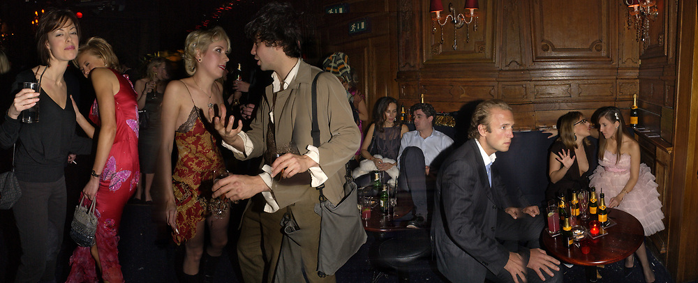 Melissa Milne and Lady Alexandra Spencer-Churchill, Ticky Hedley-Dent and Conrad Shawcross. Tatler magazine Little Black Book party, Tramp. Jermyn St. 10 November 2004. ONE TIME USE ONLY - DO NOT ARCHIVE  © Copyright Photograph by Dafydd Jones 66 Stockwell Park Rd. London SW9 0DA Tel 020 7733 0108 www.dafjones.com