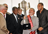 20091214: BRASILIA, BRAZIL - Brazil's President Luiz Inacio Lula da Silva welcomes players and staff of the brazilian league 2009 champions Flamengo, at CCBB in Brasilia. In picture: L-R coach Andrade, Lula da Silva and player Adriano. PHOTO: CITYFILES