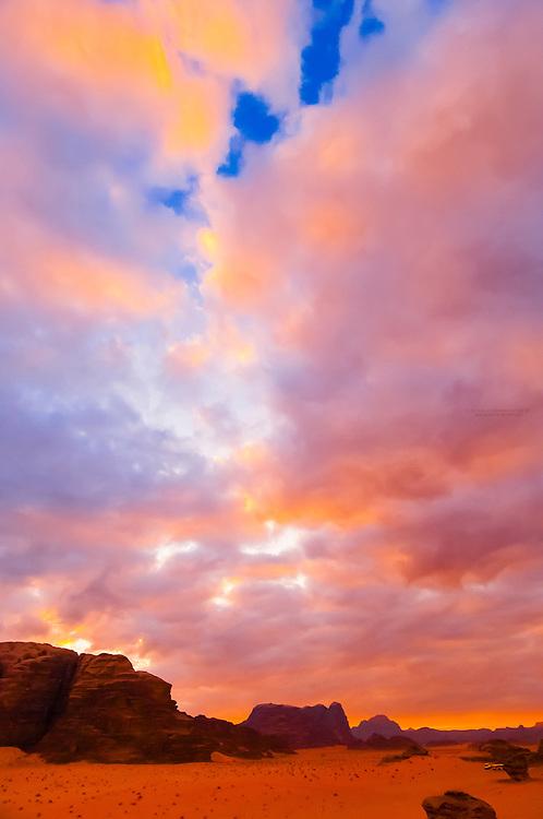 Sunset on the desert at Wadi Rum, Jordan