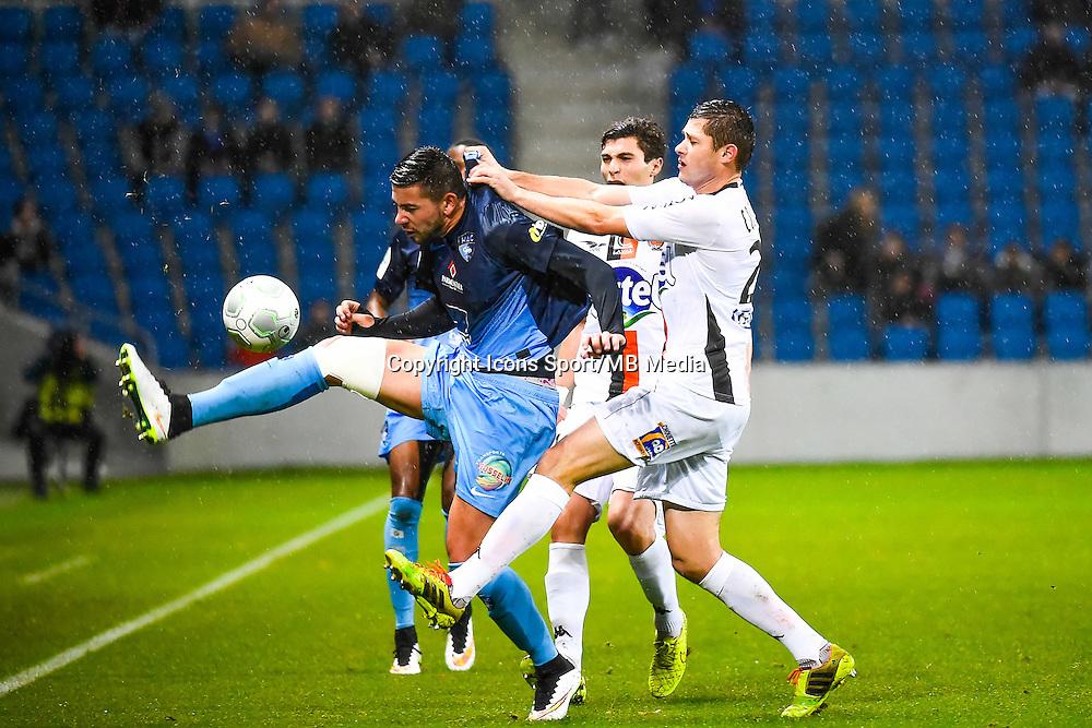 Mickael LE BIHAN / Malik COUTURIER  - 12.12.2014 - Le Havre / Laval - 17eme journee de Ligue 2 <br /> Photo : Fred Porcu / Icon Sport