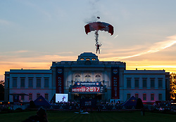 28.05.2017, Schloss Klessheim, Salzburg, AUT, 1.FBL, FC Red Bull Salzburg Meisterfeier, im Bild ein Mitglied des Red Bull Skydive Teams mit Fallschirm // A member of the Red Bull Skydive team with his parachute during the Austrian Football Bundesliga Championsship Celebration at the Schloss Klessheim, Salzburg, Austria on 2017/05/28. EXPA Pictures © 2017, PhotoCredit: EXPA/ JFK