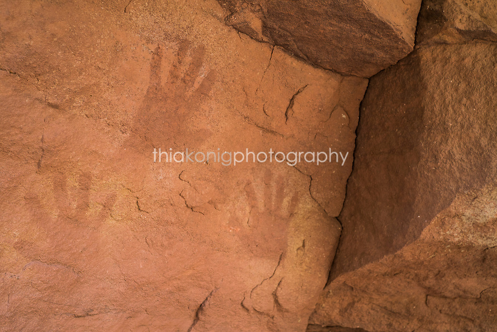 Hand spray prints petroglyphs, Deer Creek, Grand Canyon