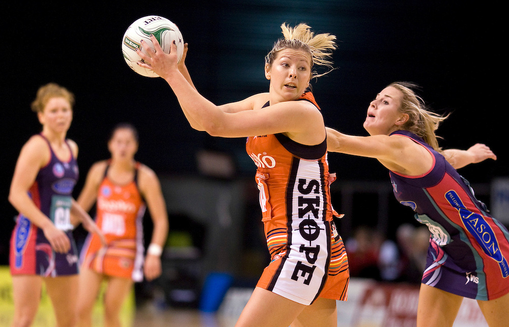 Tactix's Anna Thompson looks to pass the ball against the Vixens in the ANZ Netball Championship at CBS Canterbury Arena, Christchurch, New Zealand, Monday, May 07, 2012. Credit:SNPA / Dianne Manson
